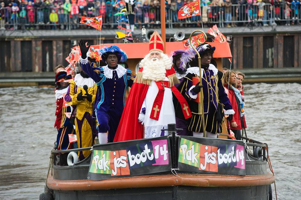 Did you know that this weekend Sinterklaas will arrive in the Netherlands? According to tradition Sinterklaas will leave you a present if you have been nice in the past year. Legend has it that if you have been naughty, you will be put in a jute bag and taken back to Spain for punishment.