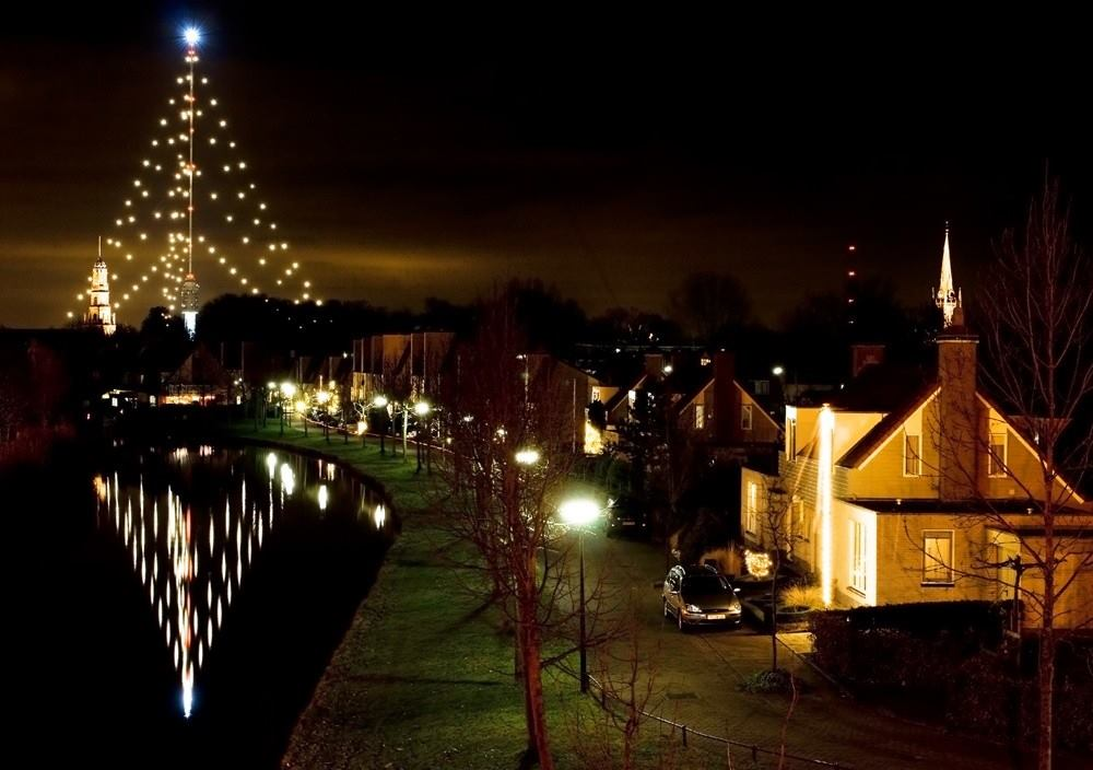 christmas tree - Worlds Tallest Christmas Tree