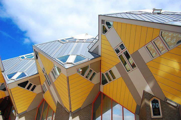 Cube houses in rotterdam the netherlands heavenly holland for Hotel amsterdam cube