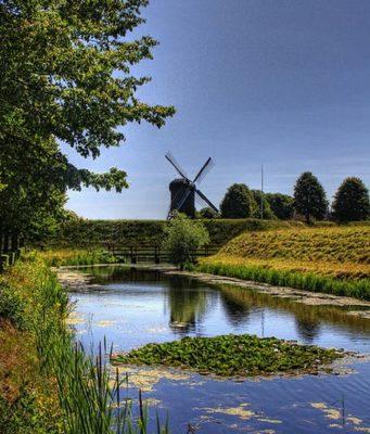 Windmill at Fort Bourtange (Groningen)