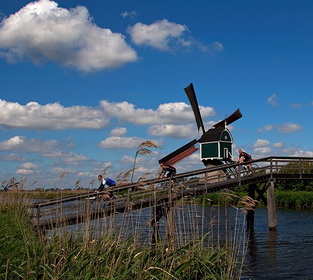 Achterlandse Windmill in Groot-Ammers (South Holland)