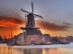 Windmill 'De Adriaan' in Haarlem (North Holland)