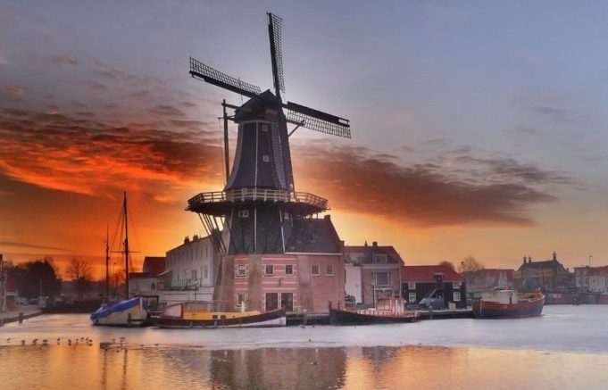Windmill 'De Adriaan' in Haarlem (North Holland)