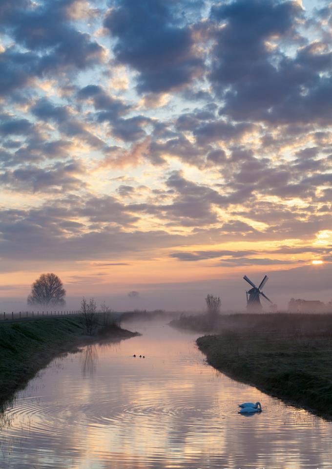 Windmill 'Noordermolen' in Noorddijk (Groningen)