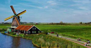 Windmill 'De Zoeker' at Zaanse Schans
