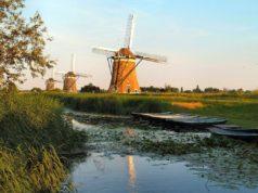 Windmills 'Molendriegang' in Wilsveen (South Holland)