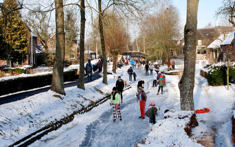 Ice Skating Tour In Giethoorn The Netherlands Heavenly Holland