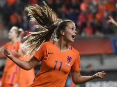 Did you know that the world's best female football player comes from the Netherlands? Her name is Lieke Martens and tonight she was voted best female player of the year at the Best FIFA Football Awards in London. Tomorrow the Orange Lionesses play against Norway in the 2019 World Cup qualification.