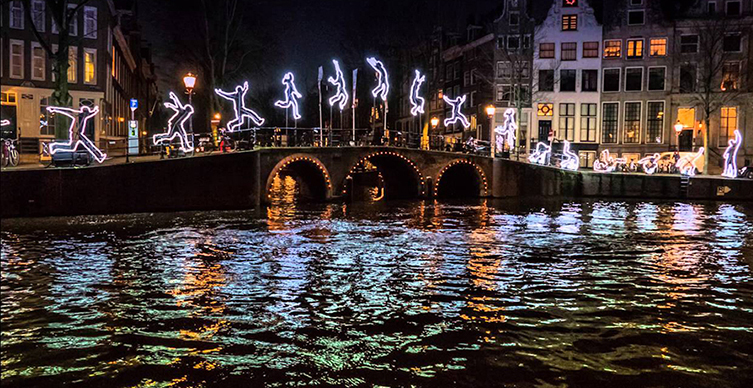 Did you know that from 30 November 2017 until 21 January 2018 the Dutch capital illuminates for the annual Amsterdam Light Festival? Take a canal boat along, under and through spectacular light artworks. There is also a walking route from 14 December to 7 January.