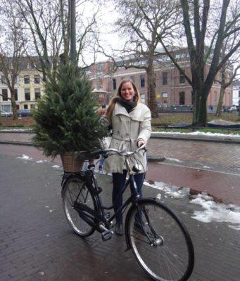 Did you know that the Dutch transport about anything on their bicycles? From babies to dogs and from toilet bowls to Christmas trees.