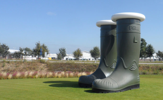 Did you know that these giant wellies were made on the occasion of the Floriade in 2012? The artwork called 'The boots of the hunter' can temporary be found on the Maasboulevard in Venlo.