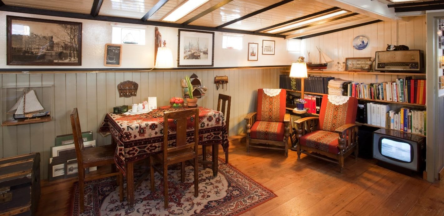 Did you know there are 2,500 houseboats in Amsterdam but only one is a museum where you can get a peek of life onboard?