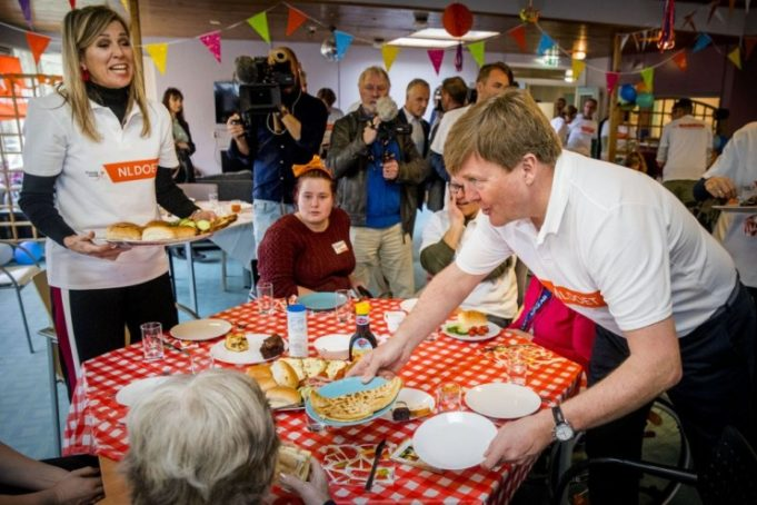 NLdoet ('NL Does') is the largest volunteering event in the Netherlands. All over the country hundreds of thousands of people, including royals, celebrities and politicians set a good example by pitching in and doing social volunteer work. They roll up their sleeves at community centers, petting zoos, nursing homes and the like.