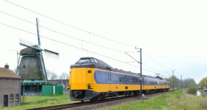 Boekenweekgeschenk: Buy a book and ride the train for free on 18 March 2018