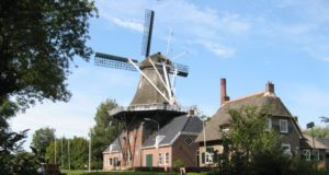 Did you know that Windmill 'De Wachter' in Zuidlaren is more than a windmill? The Windmill Museum comprises also a clog workshop, bakery and grocery shop, smithy and you can take a cruise on a steam-powered boat.