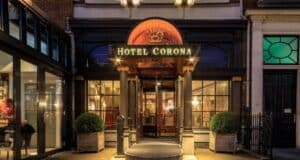 Did you know that Hotel Corona is the oldest four-star hotel in The Hague? It is located right in the middle of the lively city center, on the Buitenhof square.